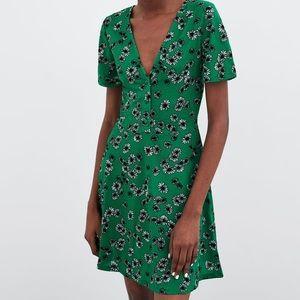 NWT ZARA Green Floral Button Dress